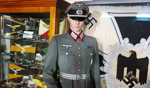 Heer Artillery Major's fully piped walking out tunic