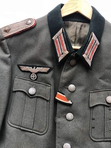 help with identification of german uniform jacket
