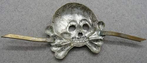 Early Panzer Collar Totenkopf