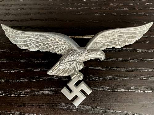 Luftwaffe summer tunic badge authenticity check.
