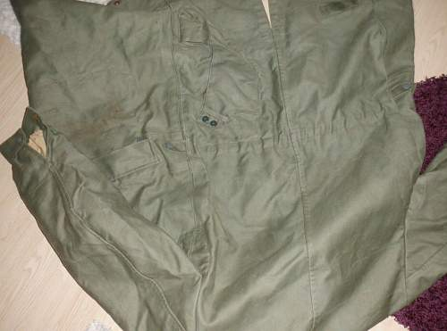 Need help on this early Knochensack Jump Smock please