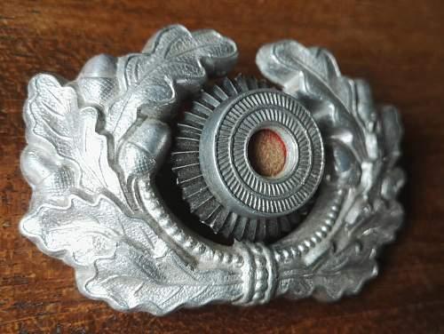 Wehrmacht NCO cap wreath help