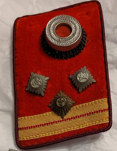 Red Collar Tab with Three Small Eagles?