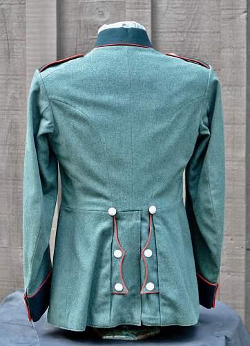 Heer Artillery dress tunic, original?