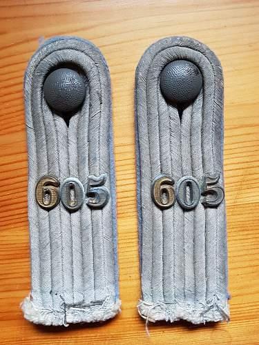 Kraftwagen Transport Regiment 605 schulterklappen
