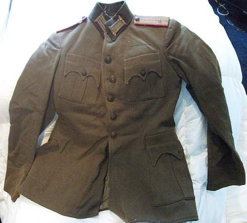 Can someone help me ID this uniform? WWI maybe??