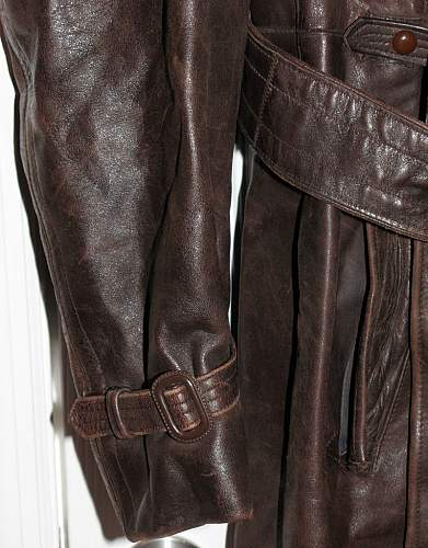 Click image for larger version.  Name:brown-greatcoat5.jpg Views:545 Size:104.1 KB ID:150257