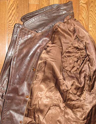 Click image for larger version.  Name:brown-greatcoat13.jpg Views:121 Size:122.3 KB ID:150258