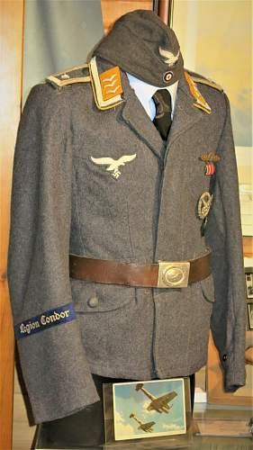 Needed info about Luftwaffe cuff titles