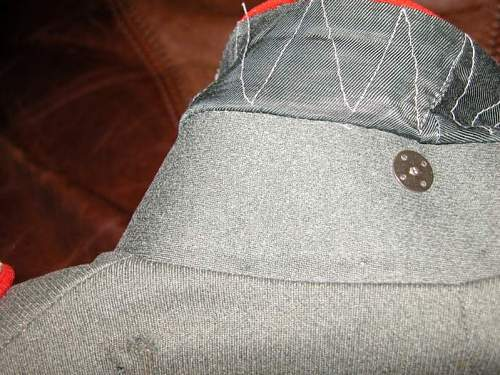 Army Artillery Parade Tunic 2nd Lt. 52st Reg Does this look original, any comments on value?