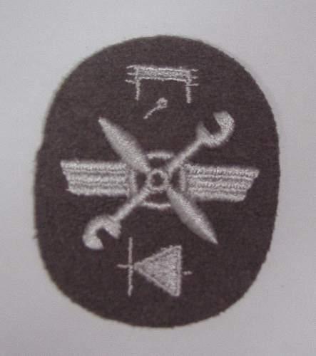 Unknown Luftwaffe(?) insignia