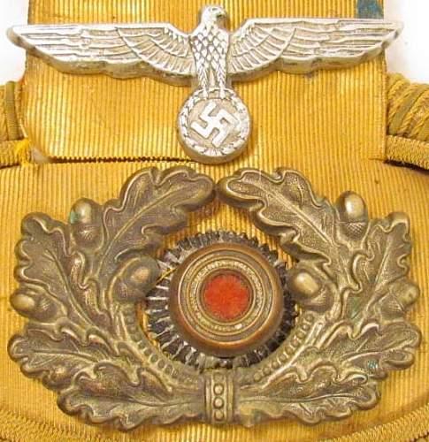 Click image for larger version.  Name:GERMAN NAZI NAVAL OFFICERS SHOULDER BOARD (2).jpg Views:371 Size:95.7 KB ID:208243