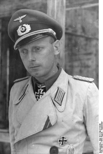 White Panzerjacke worn by unknown RKT