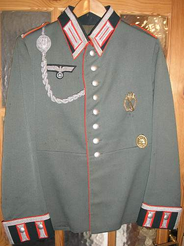 Click image for larger version.  Name:artillery tunic.jpg Views:99 Size:253.1 KB ID:213477