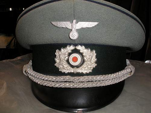 Click image for larger version.  Name:medical officers schirmutze.jpg Views:99 Size:258.5 KB ID:213481