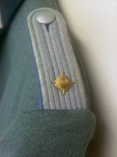 Click image for larger version.  Name:officer-tunic3.jpg Views:90 Size:154.9 KB ID:214353