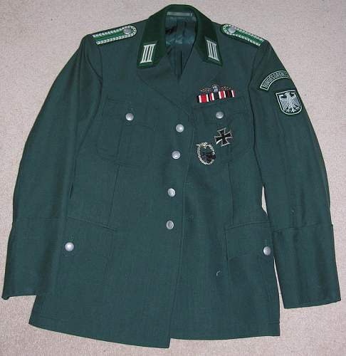Real or Fake, Heer uniform????