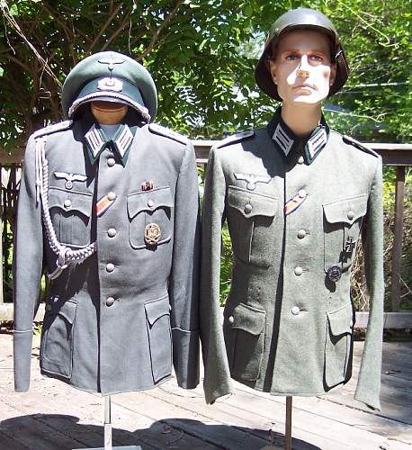 2 tunics from the same soldier