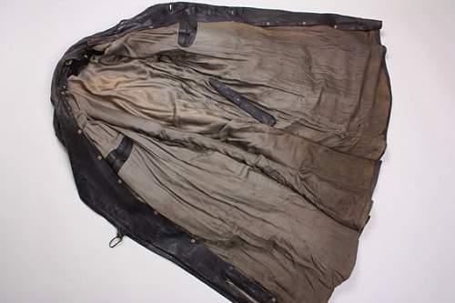 'Officer's' leather coat or Heer overcoat?