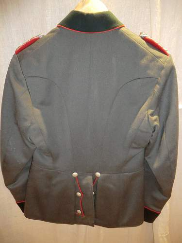 Click image for larger version.  Name:ARTILLERY OFFICERS PARADE JACKET 6.jpg Views:173 Size:255.9 KB ID:279986