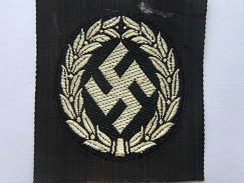 Click image for larger version.  Name:Schuma cap insignia 001.jpg Views:2526 Size:53.4 KB ID:28045