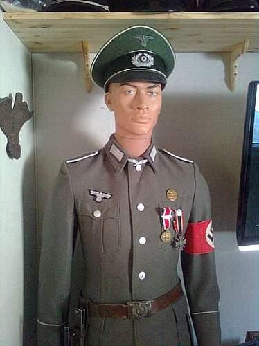 German Uniform, but what?