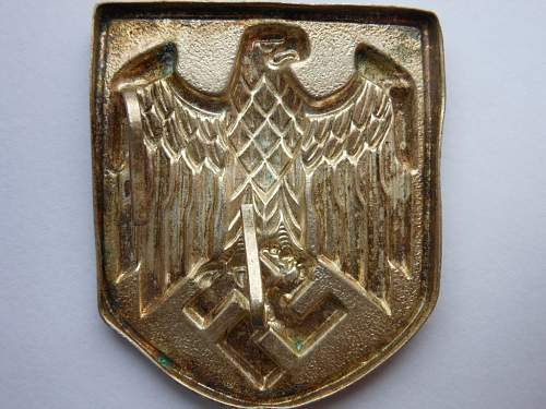 Heer & Luftwaffe tropical eagles & Tropenhelm shield: Real?