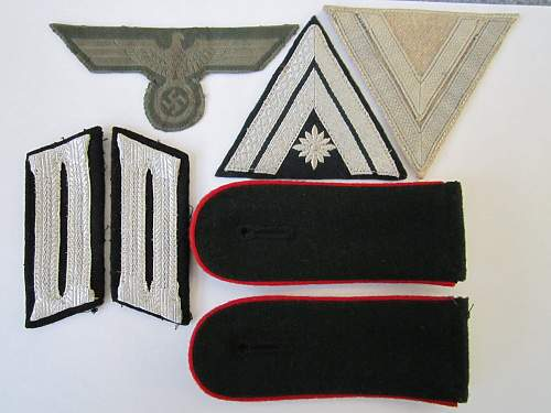 Click image for larger version.  Name:Insignias.jpg Views:130 Size:132.4 KB ID:317357