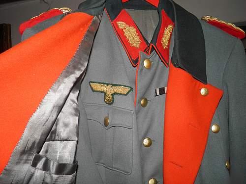 Generals Tunic, Visor and Mantel!