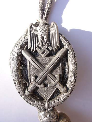Click image for larger version.  Name:12may12 medals 027.jpg Views:58 Size:255.8 KB ID:350997