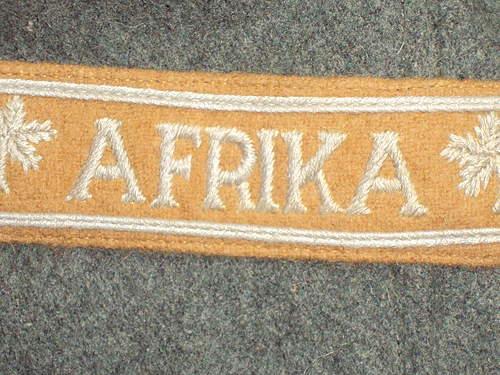 Heer breast eagle & Afrika cufftitle ???
