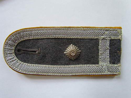 Luftwaffe NCO shoulder straps - orginal or not?