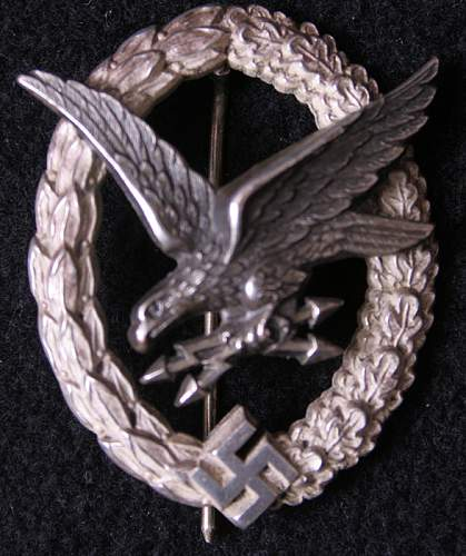 Is this pilots badge real?