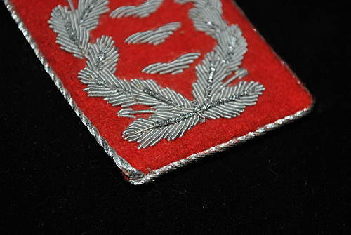 red collar patch..is it reaL!