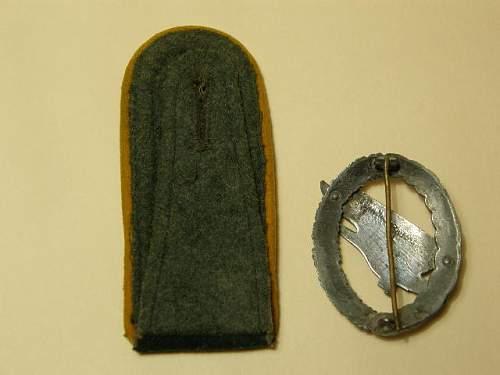 Fallschirm badge and shoulder tab ID.