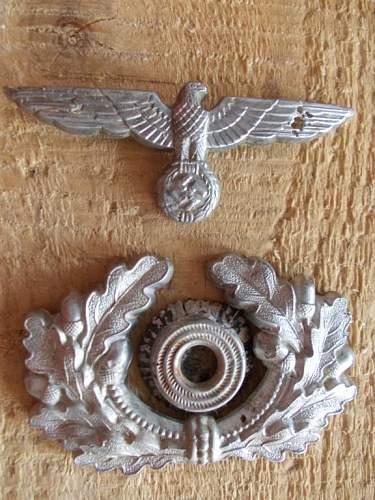Insignia for Heer officers cap: original or fake?