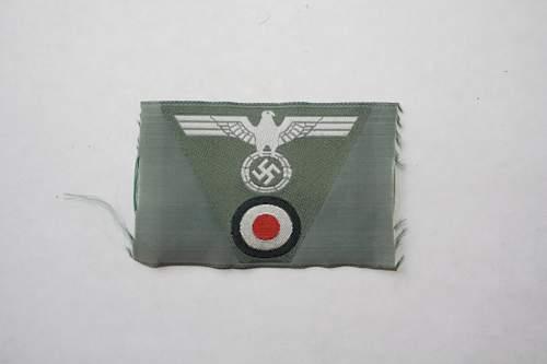 Heer Hat Badge - Fake?
