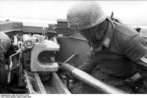 Click image for larger version.  Name:Bundesarchiv_Bild_101I-560-1113-20.jpg Views:204 Size:43.6 KB ID:45833