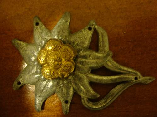 Little help please: Heer cap insignia