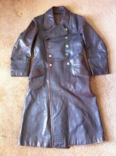 Click image for larger version.  Name:german coat.JPG Views:138 Size:58.3 KB ID:497689