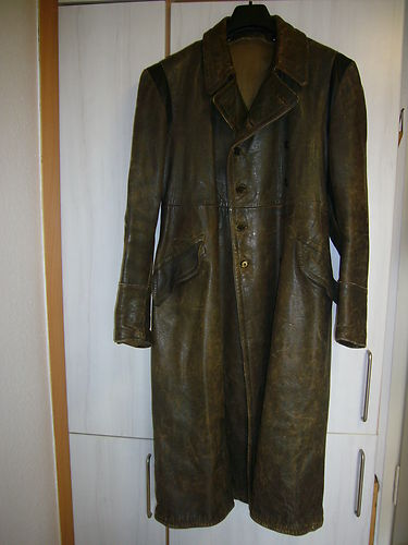 IS This a ww2 german officers coat.