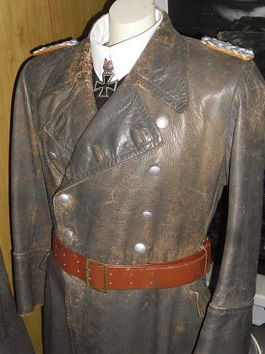 Thanks to all in this forum that gave me a hand / My salty old Luftwaffe leather coat :D