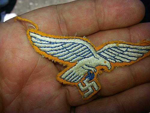 Blue yellow and white LW-eagle???
