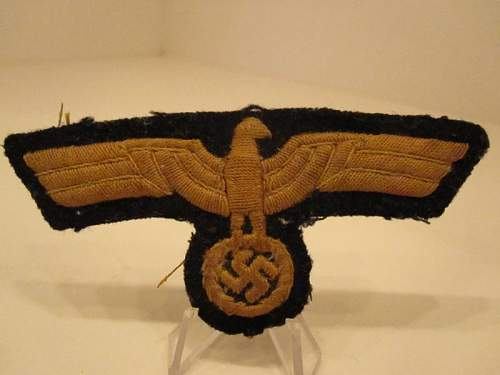 Mystery  Insignia..... Kriegsmarine, but what?