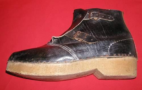Late war volkssturm boots ... or????