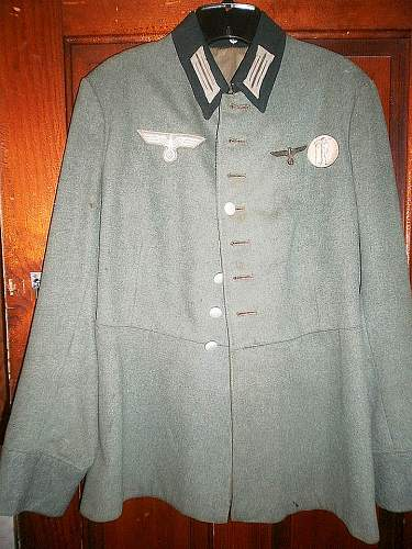 Need Help ID'ing This Coat!