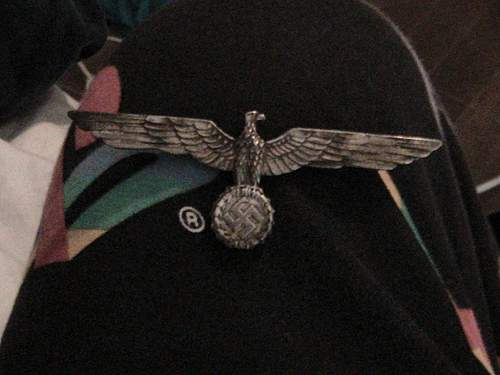 Eagle pin What is this? How much is it worth?