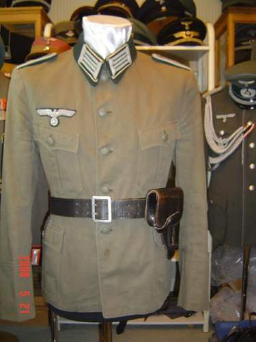 Click image for larger version.  Name:Army Admin summer tunic.jpg Views:43 Size:40.6 KB ID:56201