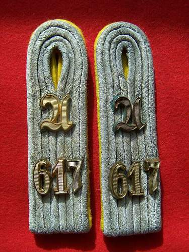 Heer Officers Signals straps with ciphers