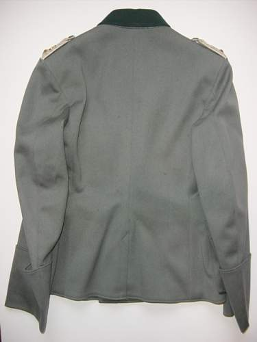 Click image for larger version.  Name:Heer officers M1936 tunic reverse..jpg Views:83 Size:127.5 KB ID:56362